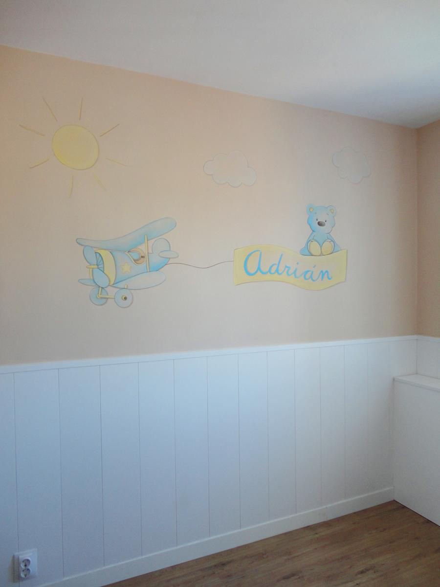 Mural pintado en la pared de un dormitorio infantil en madrid for Murales de pared para dormitorios