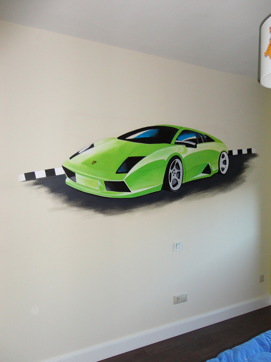 murales de coches en la pared