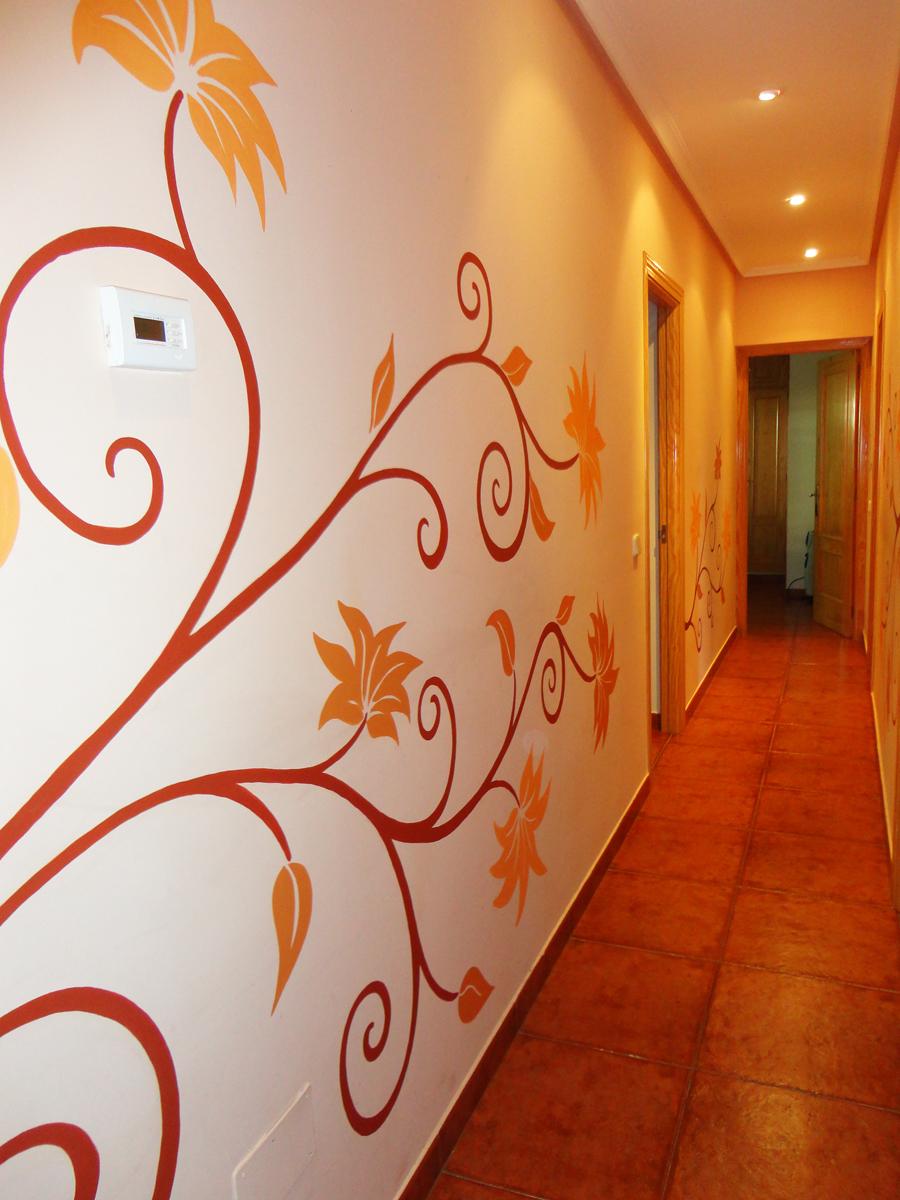 Pintura mural decorativa murales pintados a mano alzada - Como pintar una pared ya pintada ...