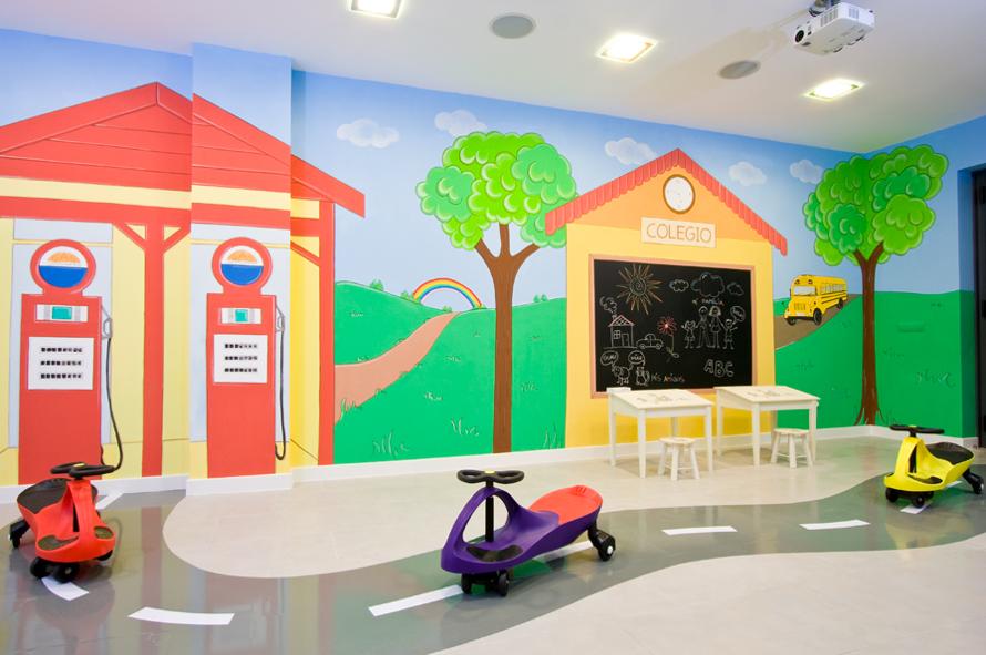 murales infantiles que recrean una ciudad para los mas pequeos con tienda de pasteles