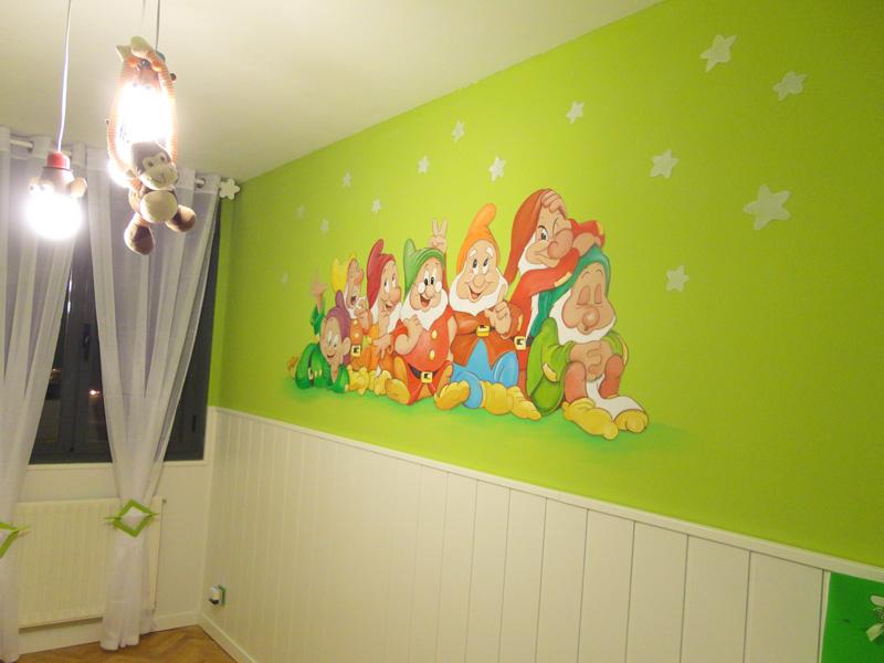 Murales infantiles murales pintados a mano sobre paredes for Crea tu mural disney